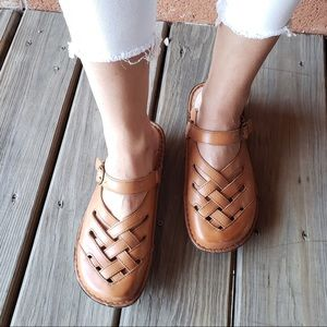NEW Alegria Leather Clogs / Sandals